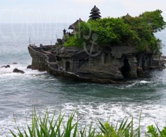 Berühmt: Der Wassertempel Tanah Lot. Bei Flut ist aber nix mit Besichtigung. Foto: cku