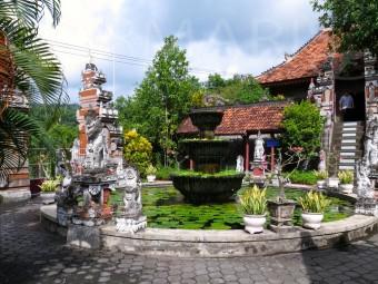 Innenhof des buddhistischen Tempels. Foto: cku