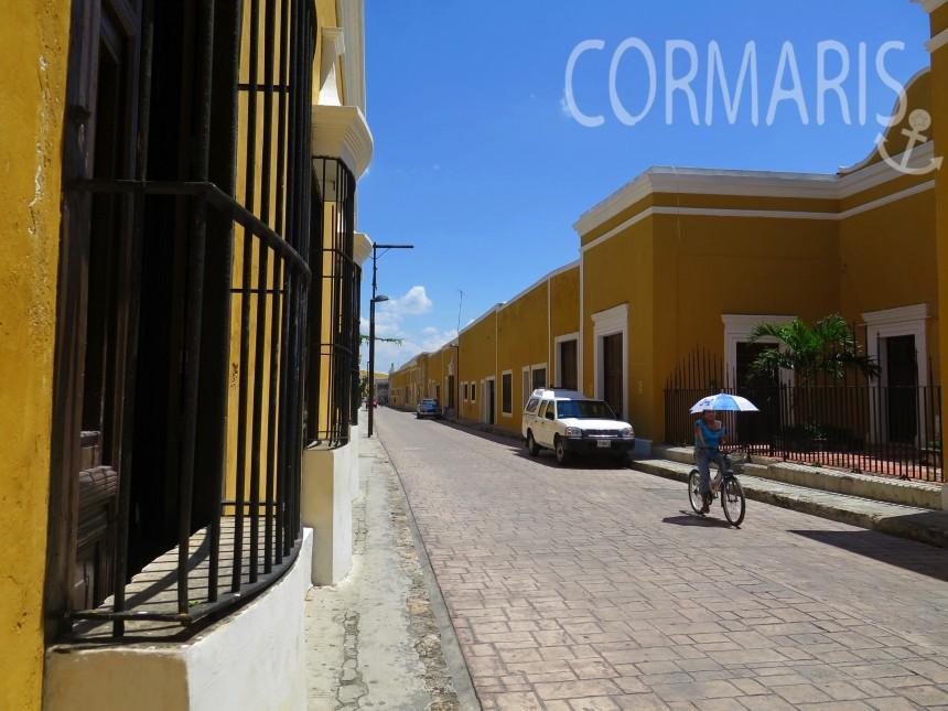 In Izamal sind alle Häuser: gelb. Foto: cku