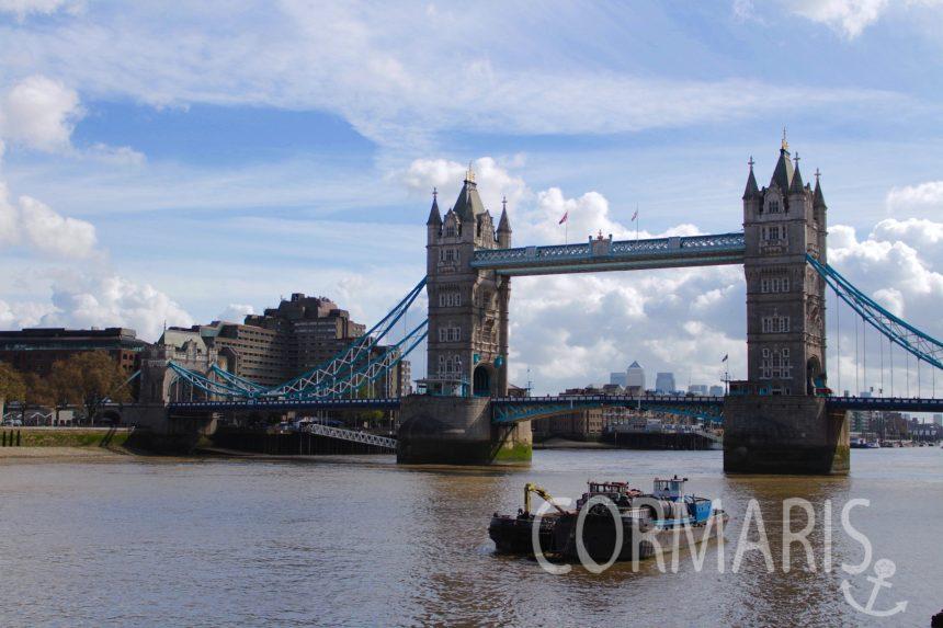 Two Bridge mit braunem Flüsschen drunter. Foto: cku